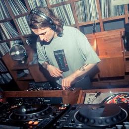 Video: DJ Boring- Against theclock