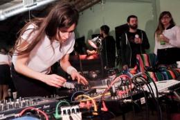 "Escucha el new track ""Work It"" de Marie Davidson vía NinjaTune"