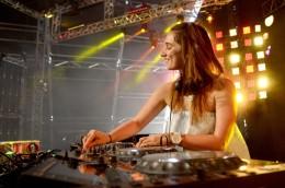 Video: Nina Las Vegas in The LabLA