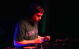 """Escucha un preview del nuevo EP """"Derretirse"""" de DJ Python víaDekmantel"""