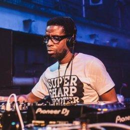 Escucha el new Mix de DJ Ron para RinseFM